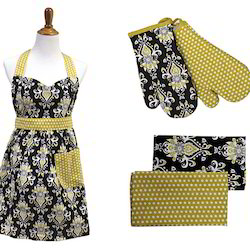 Flirty Apron Set