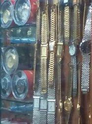 Golden Colour Wrist Watch