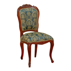 Charmant Wooden Carved Chair