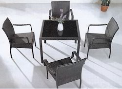 Knit Style 2 Wicker Outdoor Coffee Set