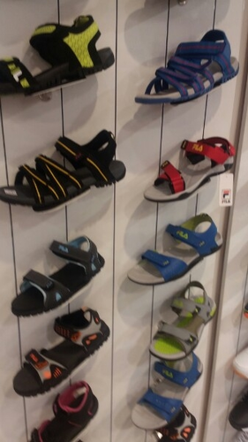 Shoes & Men Tracksuit Retail Showroom from Thane