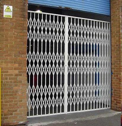 Collapsible Gate Metal Gate Thane Pratik Enterprises