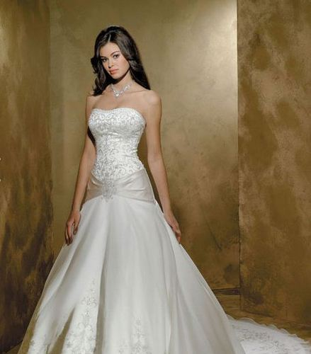Wedding Gowns at Rs 35000 /piece | Wedding Gowns | ID: 12360695788