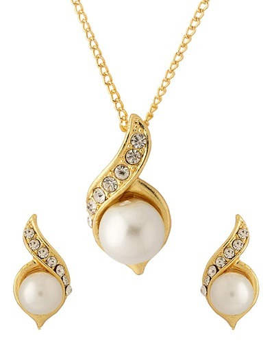 c078550f755 Pearl Beaded Designer Pendant Set With Chain at Rs 141  set ...