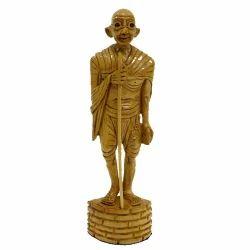 Mahatma Gandhi Standing Wc078