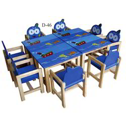 Ship Table with Eight Tango Chair