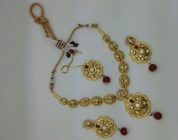 Gold Look Kundan Set With Golden Earrings