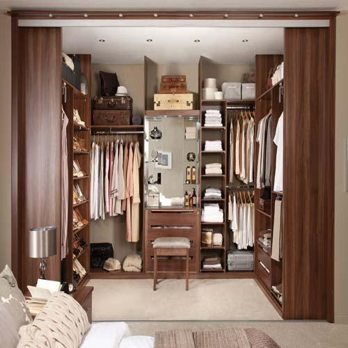 Clothes Wardrobes Walking Wardrobe Manufacturer From Noida