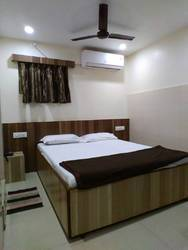 AC Single Bed Rooms Rental Services