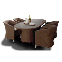 Trendy Wicker Dining Table Set
