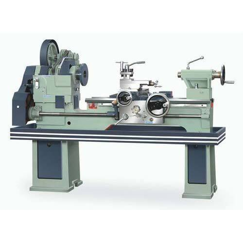Industrial Lathe Machine 4 Feet