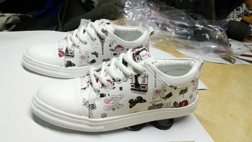 05b313d8f18 Deesa Footwear White prin Women Canvas Shoe