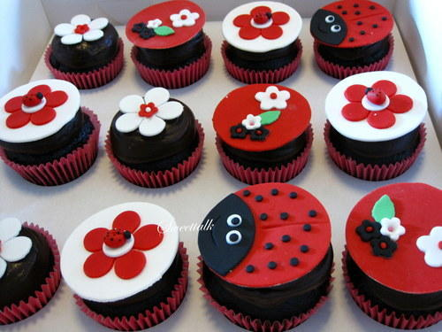 Ladybug Cupcakes Birthday At Rs 50