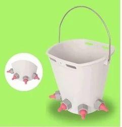塑料白色小牛牛奶饲料桶,容量:8升