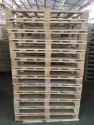 4 Way Entry White 4 Way Single Deck Non-reversible Wooden Pallets, Capacity: 1000 Kg, for Industrial