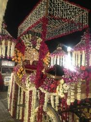 Covered Baggi with Flower Roof