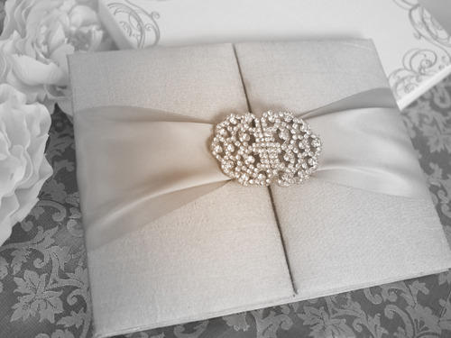 Luxury Wedding Invitation at Rs 800 pc onwards