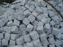 Outdoor India Granite Cobble Stones, As Desired, 10 X 10 X 8 Cm