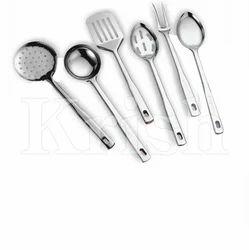 Queens Kitchen Tools Set