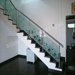 Hotel SS Railing With Glass