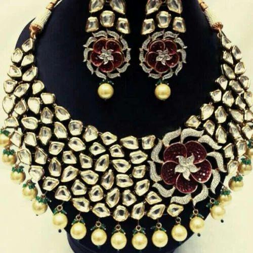 48ed32837106f Kundan Neckline Bridal Set, Kundan Neckline Bridal Set | Chandni ...