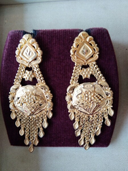 Stylish Gold Earing