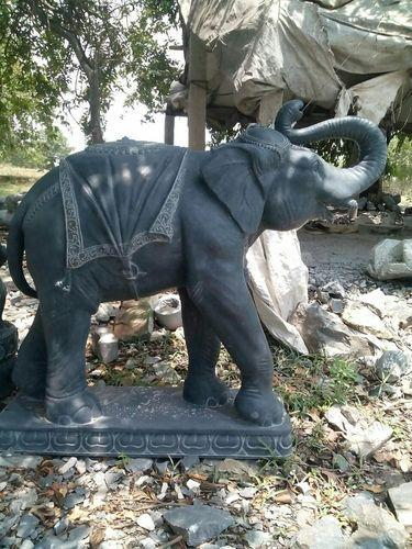 Beau Garden Elephant Statue