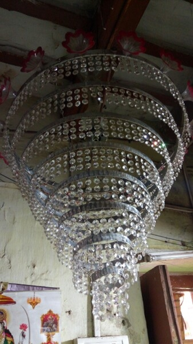 Chandeliers & Halogen Lights Wholesale Sellers from Kolkata