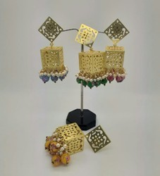 Golden Earring With Colored Bead's