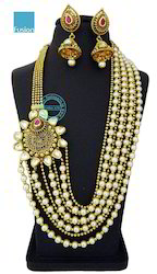 Kundan Pearl  Side Broach Necklace Set