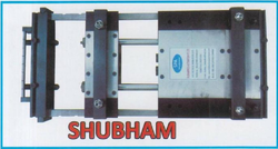 Heavy Duty Pneumatic Strip Feeder, Automation Grade: Automatic