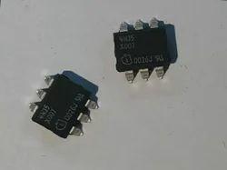 Optocoupler (4N35)