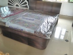 Brown Modern Playwood bed, For Home, Size: 6x5