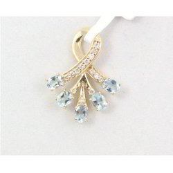 Aquamarine And Diamond 14k Yellow Gold Pendant