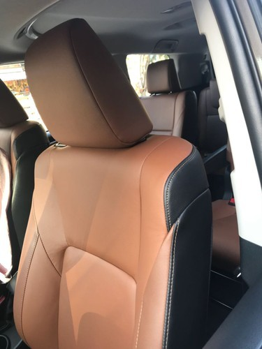Black And Brown Leather Innova Crysta Seat Covers