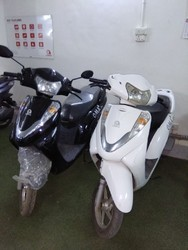 BLACK And WHITE OMA STAR Electric Scooter