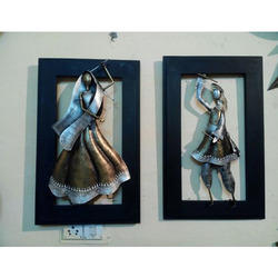 Iron Dandiya Couple Wall Decor