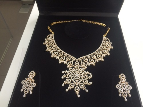 Beautiful Diamonds Necklace With Earring Set