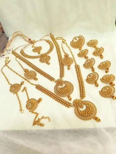 Traditional Bridal Jewelry Set