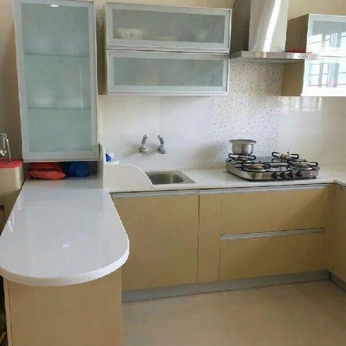 Green Modular Kitchen: Green Leaf Modular Interiors, Hyderabad