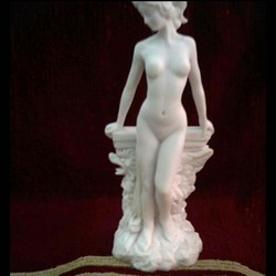 Lady Figure In Resin  Statue