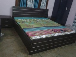 Double Bed with Box, Warranty: 1 Year