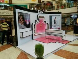 Acrylic Movable Unit Marketing And Promotional Fixtures, For Malls