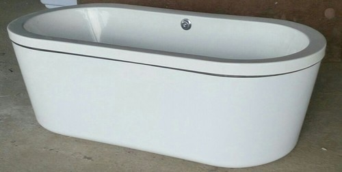 White Or Ivory Victoria Free Standing Bathtub