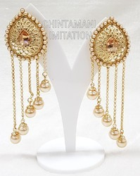 Anniversary And Party Golden Fashion Earrings