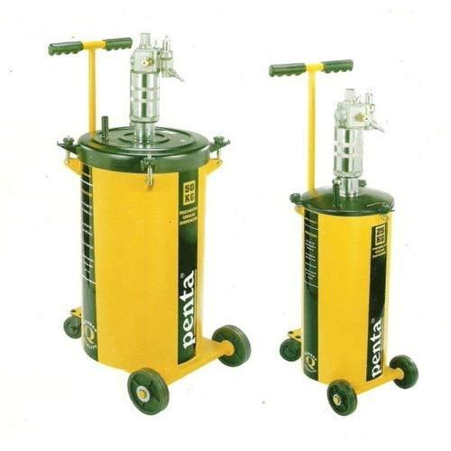Pressure Washer Gun >> Pneumatic Grease Dispenser - Penta Grease Tools Manufacturer from Navi Mumbai