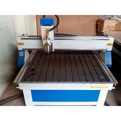 In this machine we can cut and engrave wooden MDF, Vineer, softwood ...