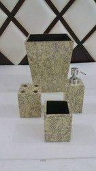 Cream With Black Print Bath Set