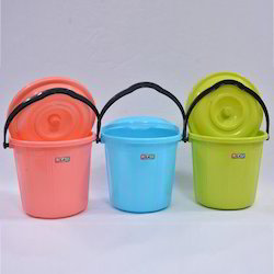 SW 4 PH Plastic Bucket With Lid