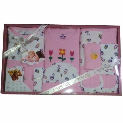 Baby Gift Box at Rs 400 /box(s)   Shishu Uphaar Box - Crouwn ...